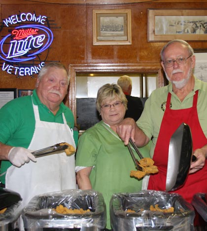 Friday fish fry frenzy sweeps county republic times news for Vfw fish fry